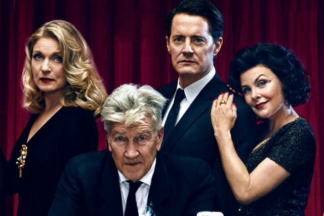 twin-peaks-cast-reunite-on-ew-covers